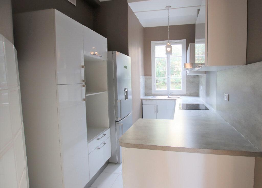 Appartement à louer 3 77.16m2 à Nice vignette-7