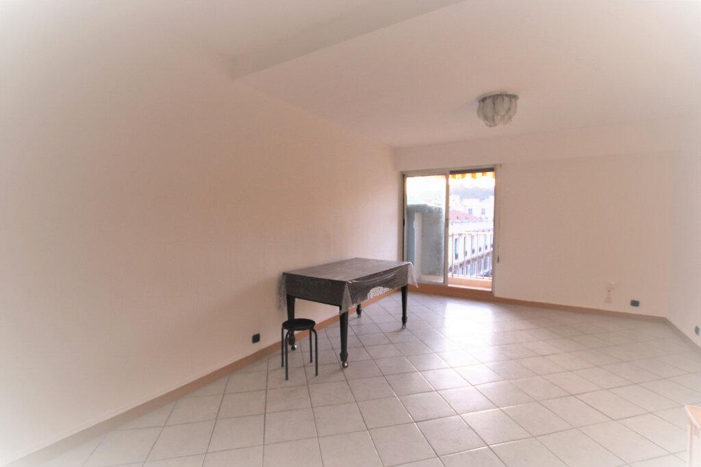 Appartement à louer 1 27m2 à Nice vignette-3