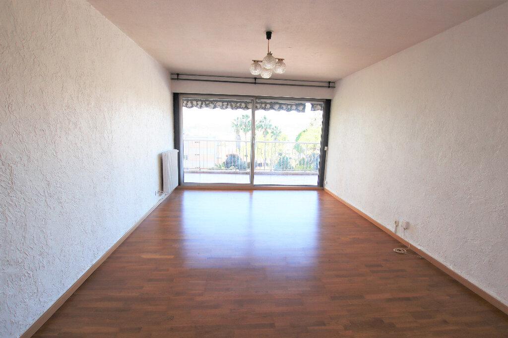 Appartement à louer 2 55.45m2 à Nice vignette-1