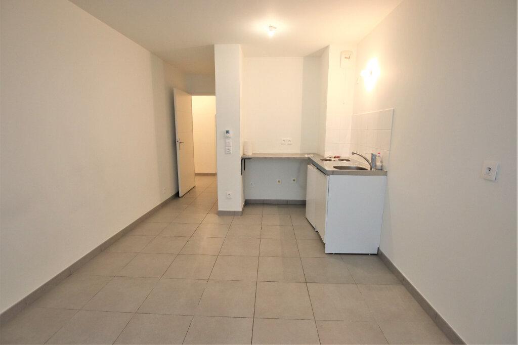Appartement à louer 1 21.98m2 à Nice vignette-3