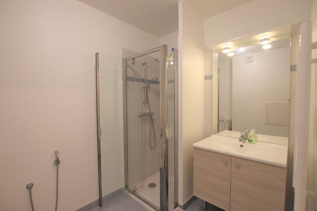 Appartement à louer 1 21.98m2 à Nice vignette-4