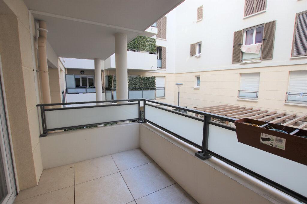 Appartement à louer 1 21.98m2 à Nice vignette-5