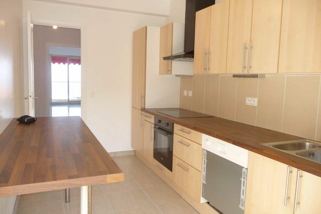 Appartement à louer 4 95m2 à Nice vignette-2
