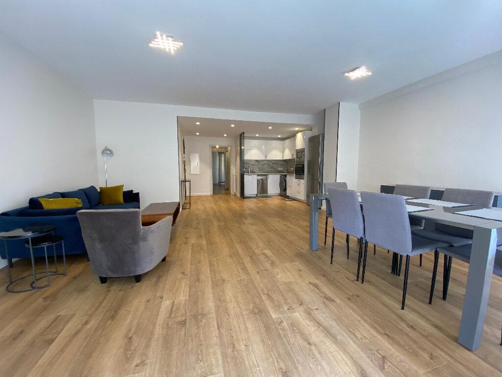 Appartement à louer 3 79m2 à Nice vignette-2