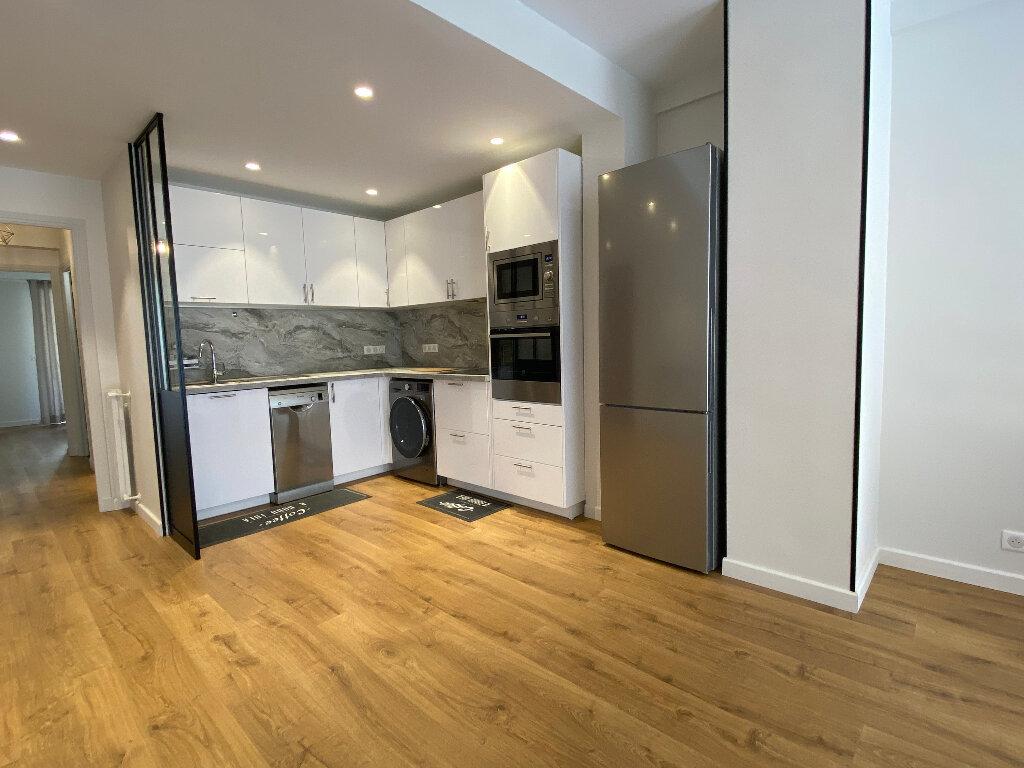Appartement à louer 3 79m2 à Nice vignette-4
