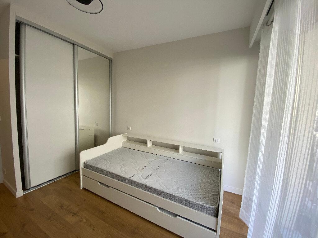Appartement à louer 3 79m2 à Nice vignette-6