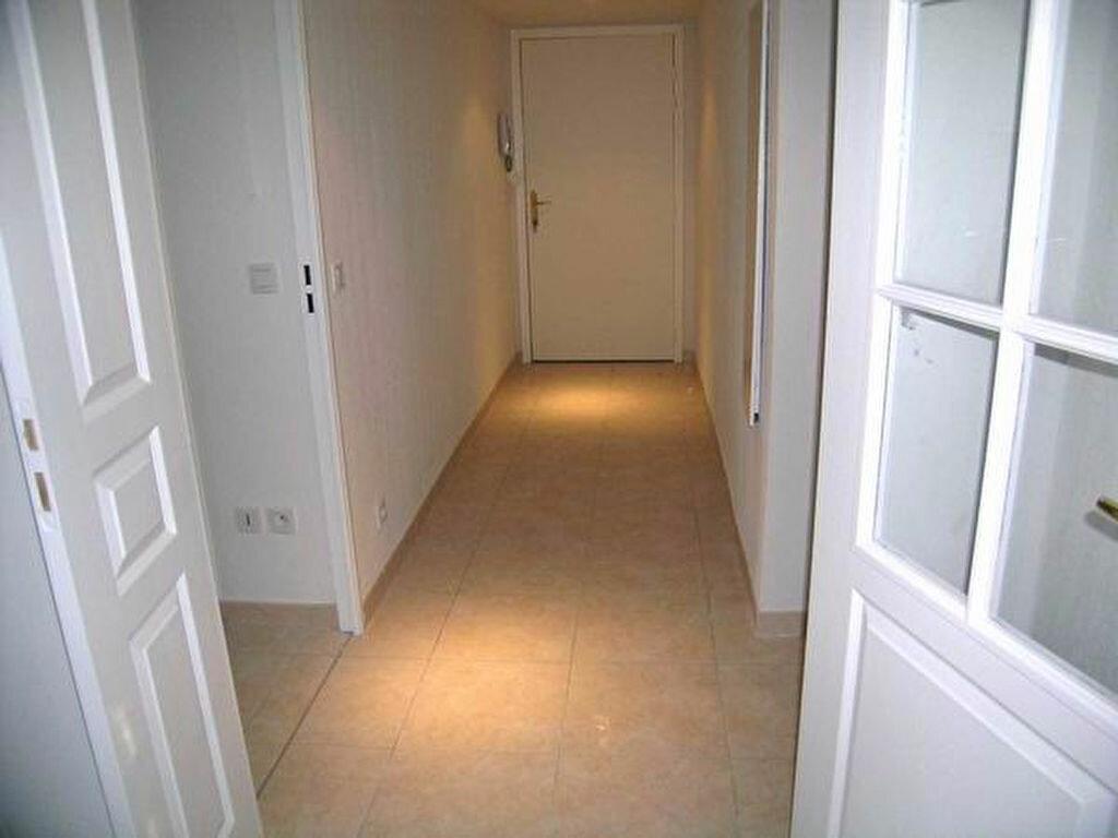 Appartement à louer 3 60.55m2 à Cagnes-sur-Mer vignette-4