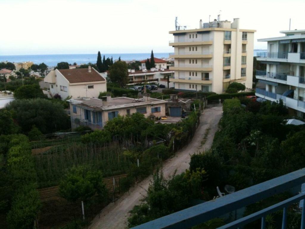 Appartement à louer 2 45.2m2 à Cagnes-sur-Mer vignette-1