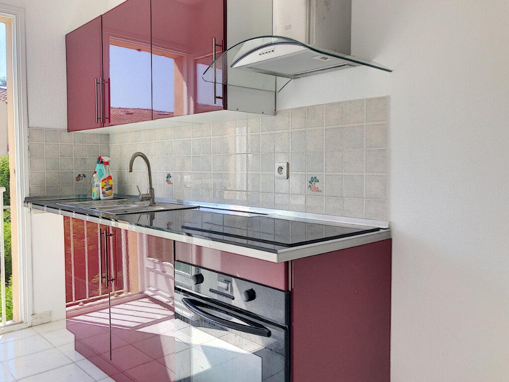Appartement à louer 2 36.4m2 à Villeneuve-Loubet vignette-2