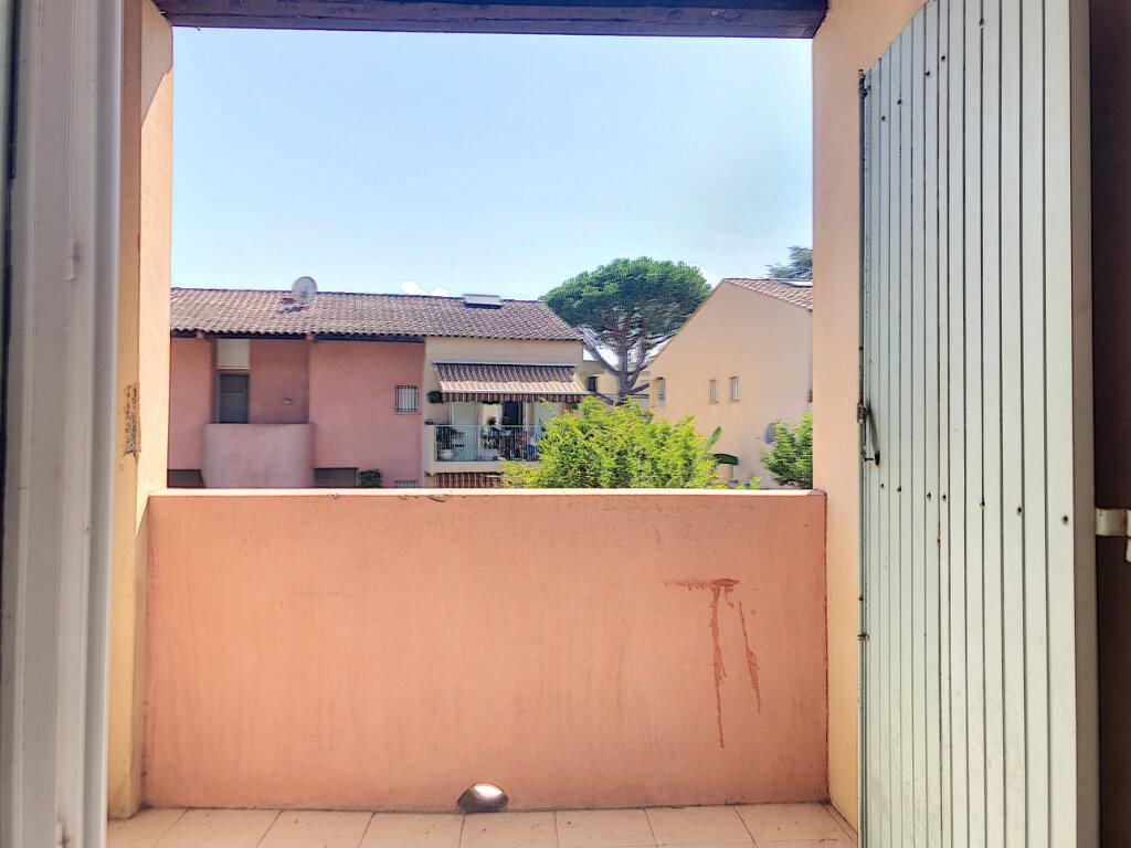 Appartement à louer 2 36.4m2 à Villeneuve-Loubet vignette-5