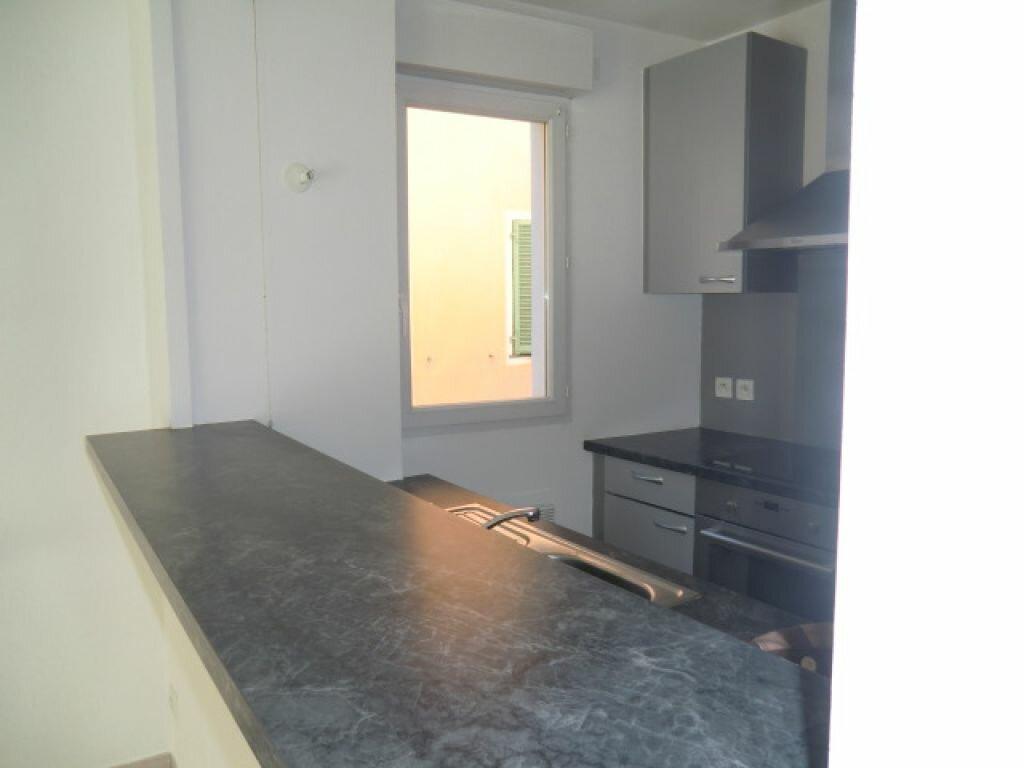 Appartement à louer 3 59.9m2 à Cagnes-sur-Mer vignette-2