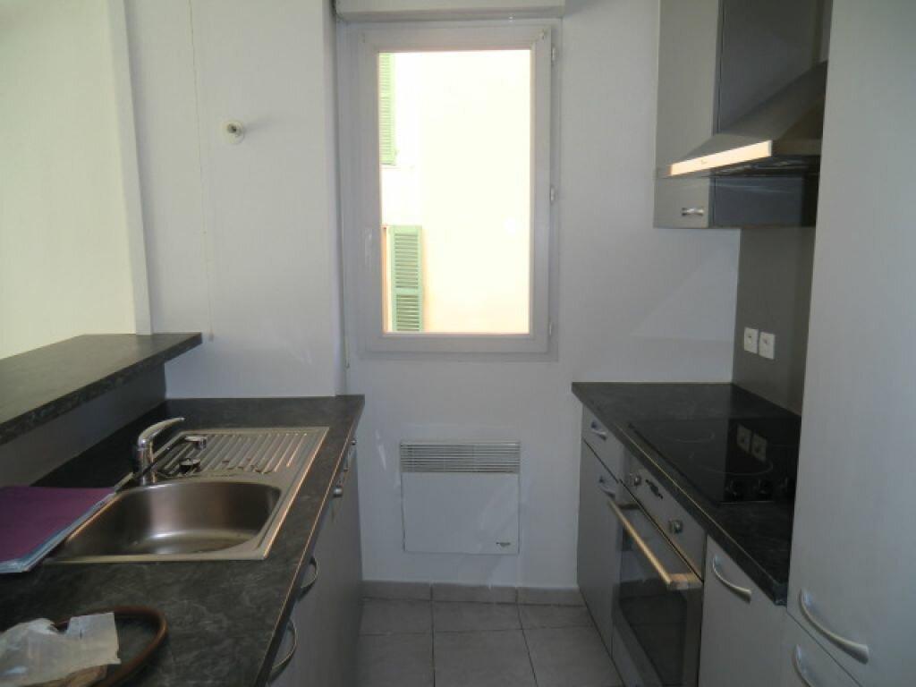 Appartement à louer 3 59.9m2 à Cagnes-sur-Mer vignette-3