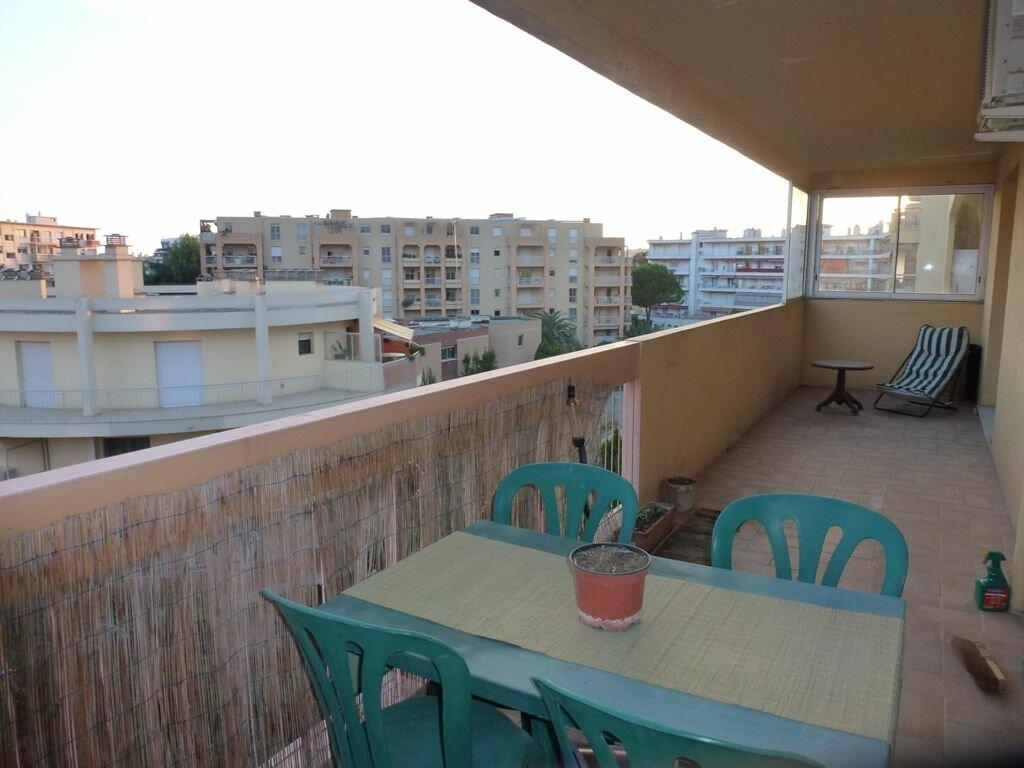 Appartement à louer 2 55m2 à Cagnes-sur-Mer vignette-1