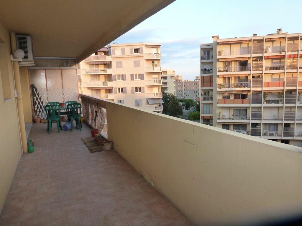 Appartement à louer 2 55m2 à Cagnes-sur-Mer vignette-2