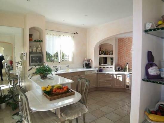 Maison à vendre 8 260m2 à Saint-Paul-de-Vence vignette-6