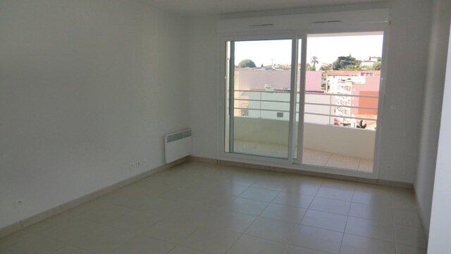 Appartement à louer 3 55m2 à Cagnes-sur-Mer vignette-2