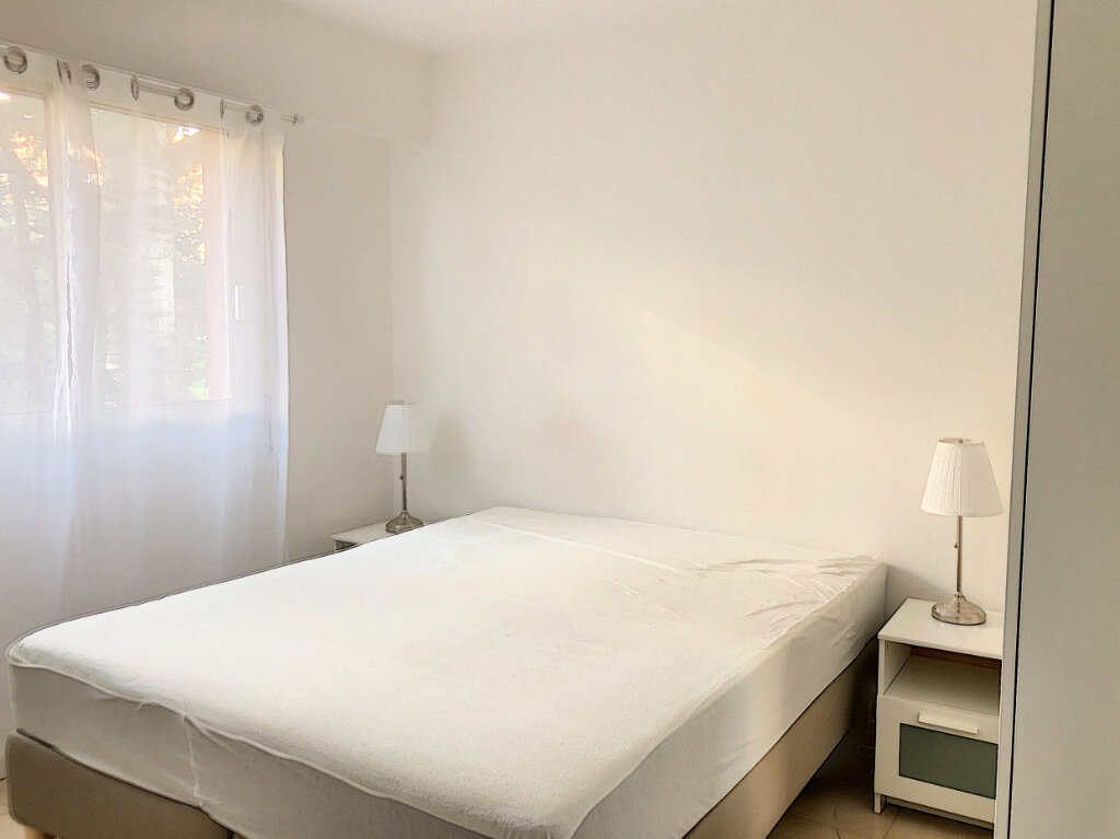 Appartement à louer 3 65m2 à Cagnes-sur-Mer vignette-7