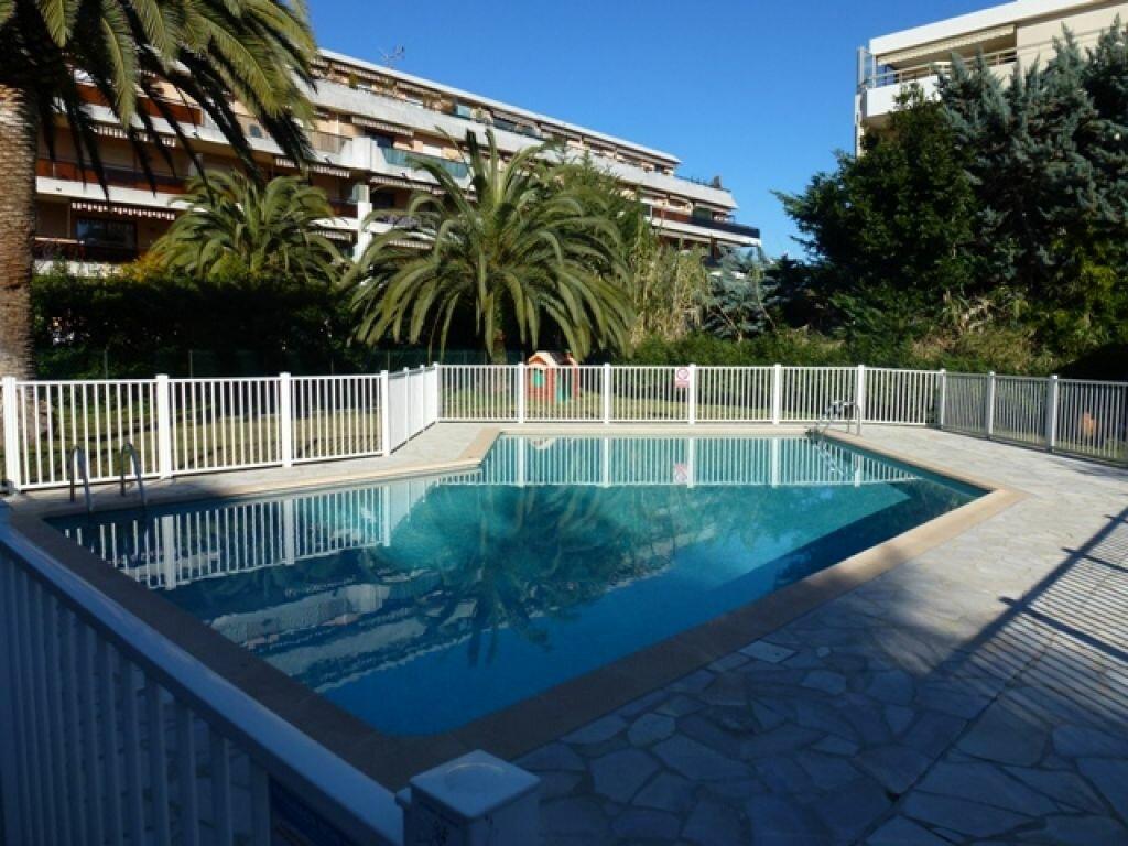 Appartement à louer 3 65m2 à Cagnes-sur-Mer vignette-9