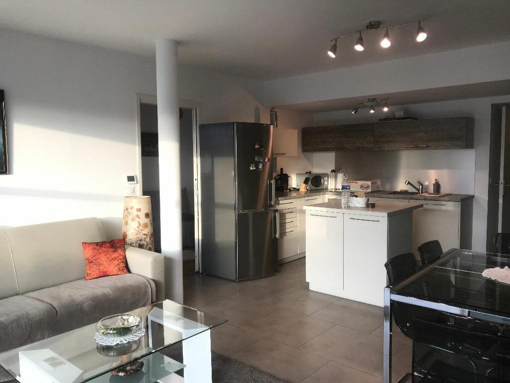 Appartement à louer 3 63.64m2 à Cagnes-sur-Mer vignette-3