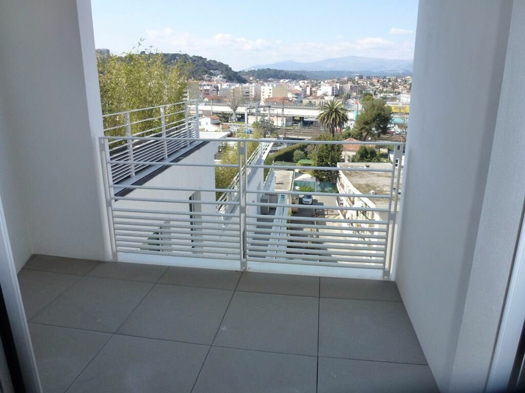 Appartement à louer 3 63.64m2 à Cagnes-sur-Mer vignette-8