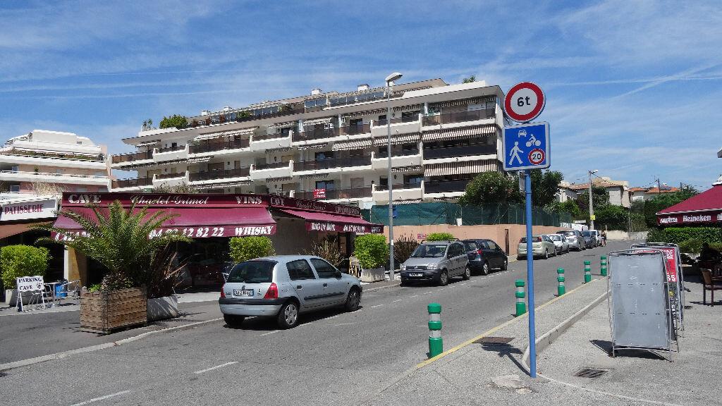 Stationnement à louer 0 13m2 à Cagnes-sur-Mer vignette-1