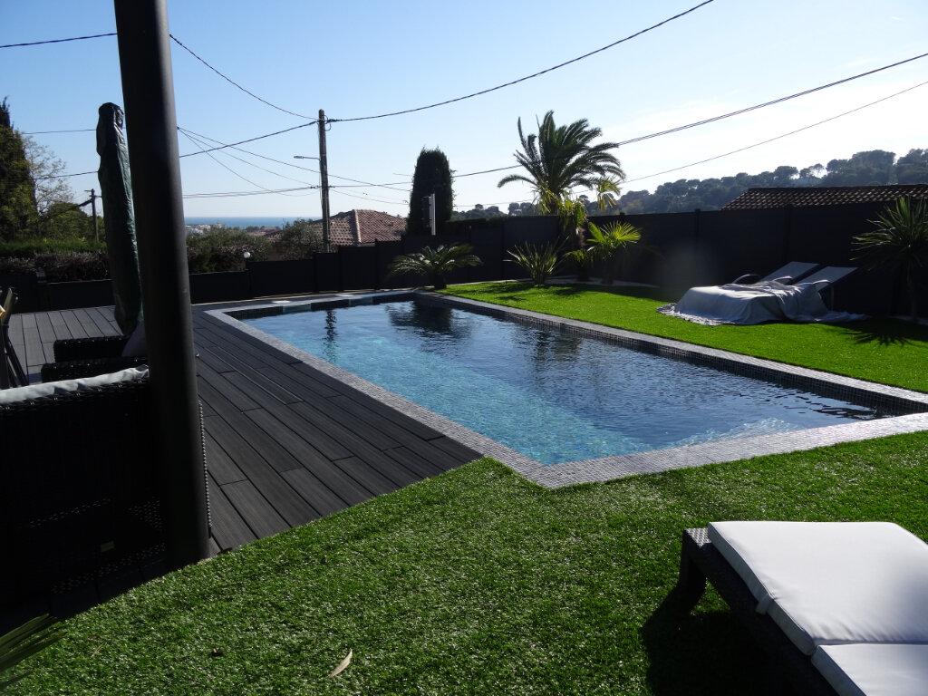 Maison à vendre 4 120m2 à Cagnes-sur-Mer vignette-1