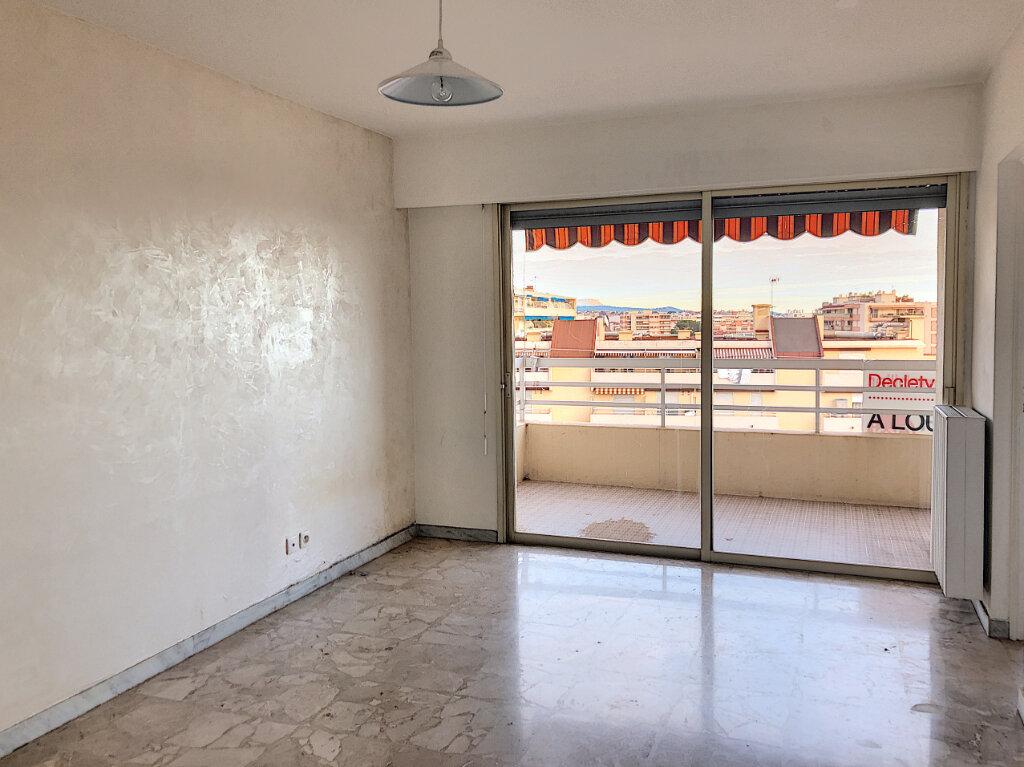 Appartement à louer 1 33.2m2 à Cagnes-sur-Mer vignette-3