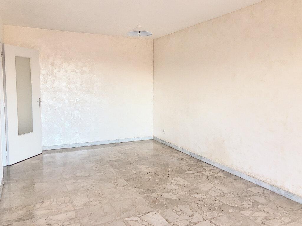 Appartement à louer 1 33.2m2 à Cagnes-sur-Mer vignette-4