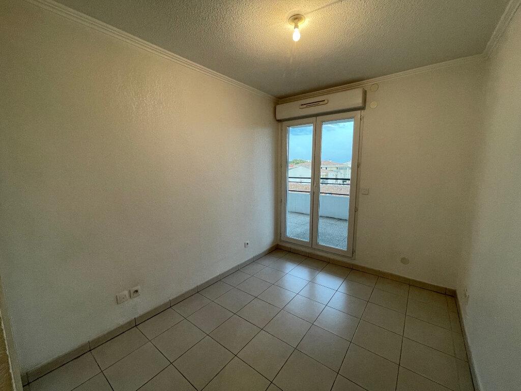 Appartement à louer 3 54.3m2 à Cagnes-sur-Mer vignette-4