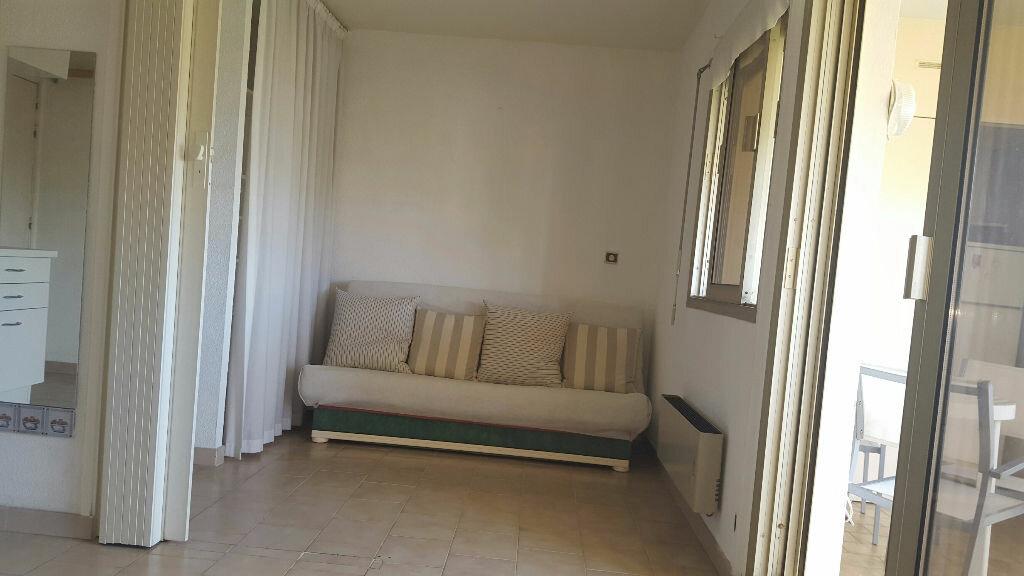 Appartement à louer 2 22.15m2 à Cagnes-sur-Mer vignette-3