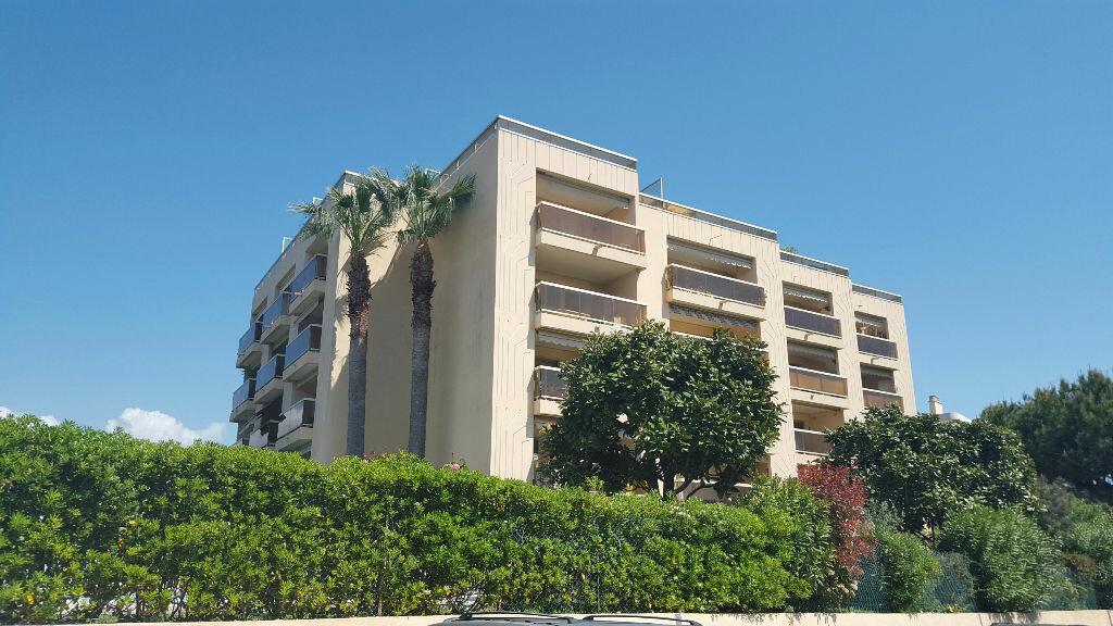 Appartement à louer 2 22.15m2 à Cagnes-sur-Mer vignette-9