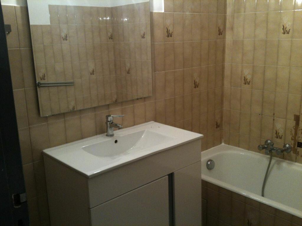 Appartement à louer 2 40.2m2 à Cagnes-sur-Mer vignette-7