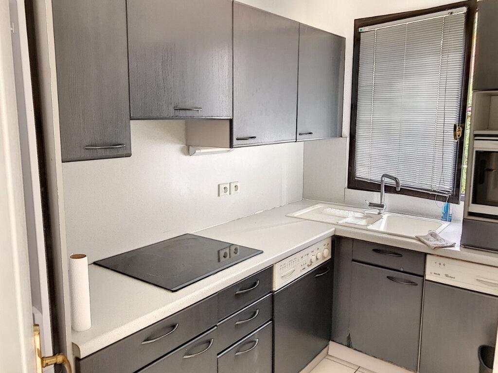 Appartement à louer 3 68m2 à Villeneuve-Loubet vignette-4