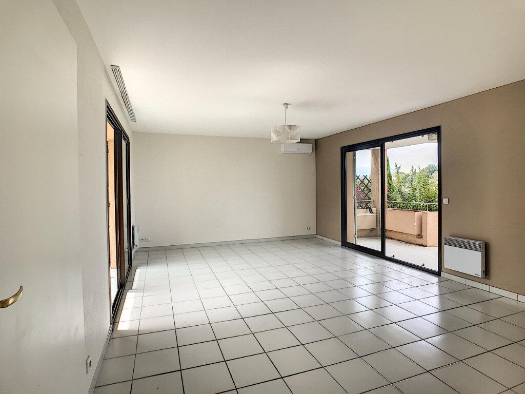 Appartement à louer 3 68m2 à Villeneuve-Loubet vignette-5