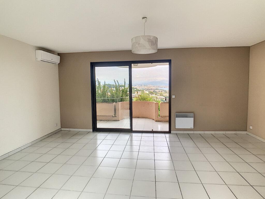 Appartement à louer 3 68m2 à Villeneuve-Loubet vignette-6