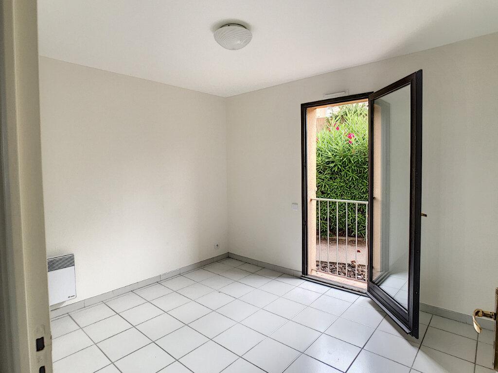 Appartement à louer 3 68m2 à Villeneuve-Loubet vignette-7