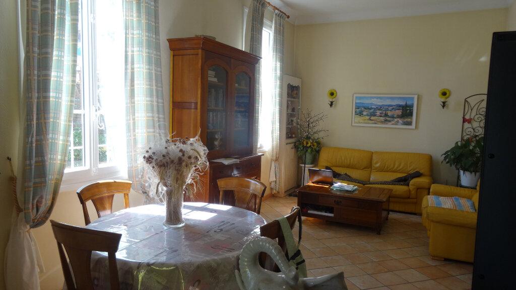 Maison à vendre 5 130m2 à Cagnes-sur-Mer vignette-3