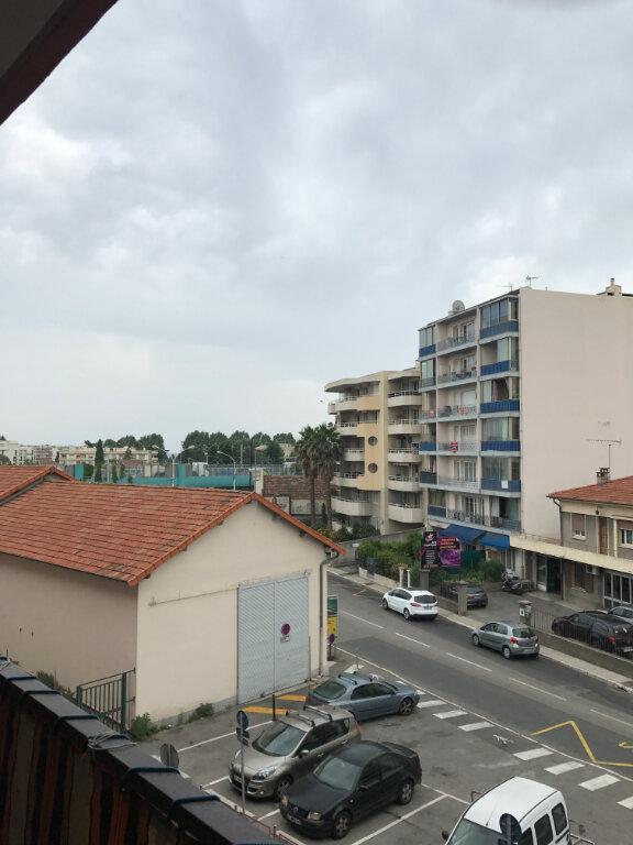 Appartement à louer 1 24.05m2 à Cagnes-sur-Mer vignette-1