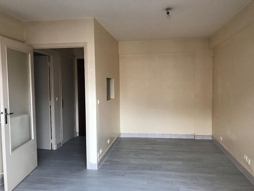 Appartement à louer 1 24.05m2 à Cagnes-sur-Mer vignette-3