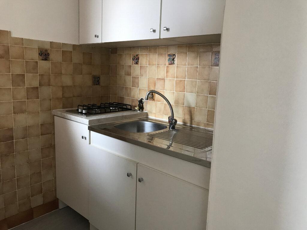 Appartement à louer 1 24.05m2 à Cagnes-sur-Mer vignette-4