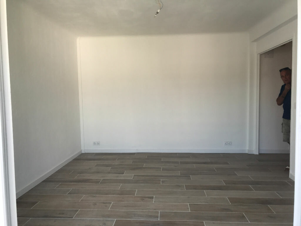 Appartement à louer 2 41m2 à Cagnes-sur-Mer vignette-6