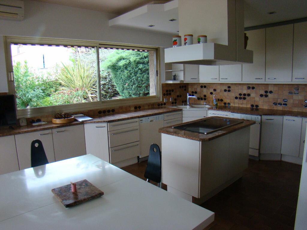 Maison à vendre 8 370m2 à Cagnes-sur-Mer vignette-5