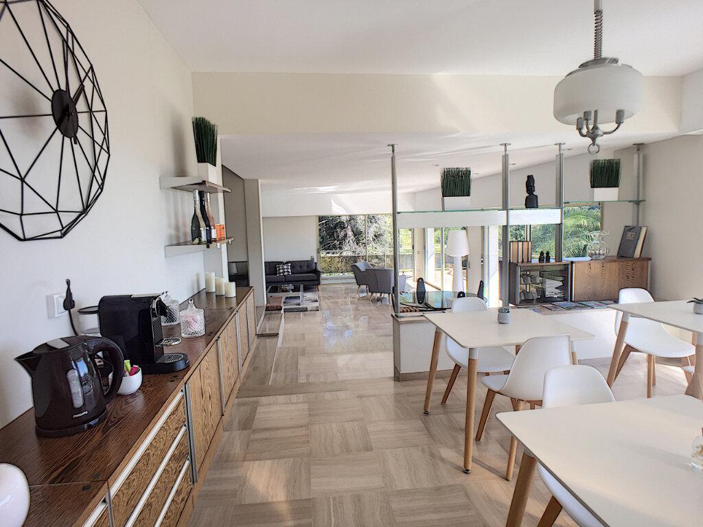 Maison à vendre 8 370m2 à Cagnes-sur-Mer vignette-7