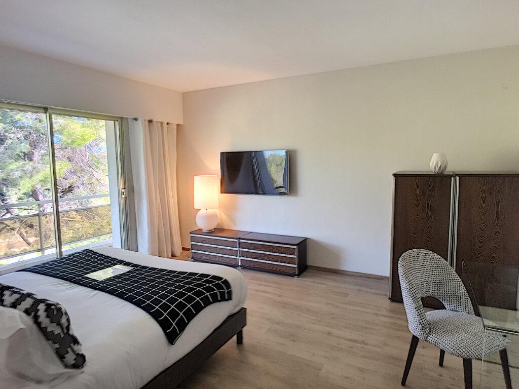 Maison à vendre 8 370m2 à Cagnes-sur-Mer vignette-12