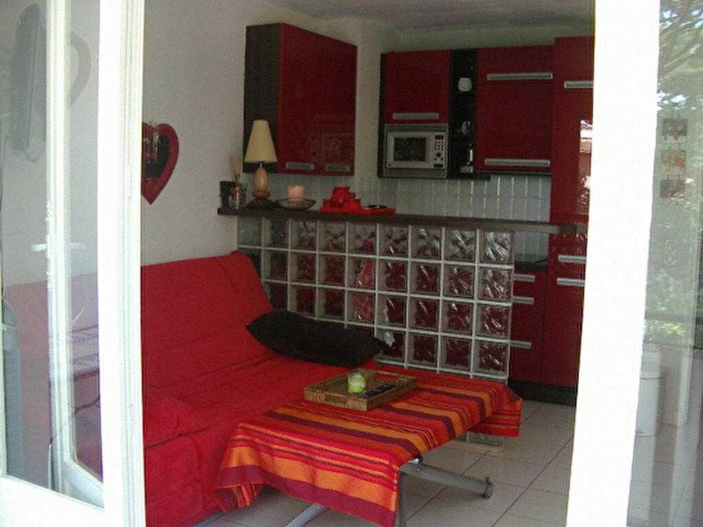 Appartement à louer 1 21.88m2 à Villeneuve-Loubet vignette-3