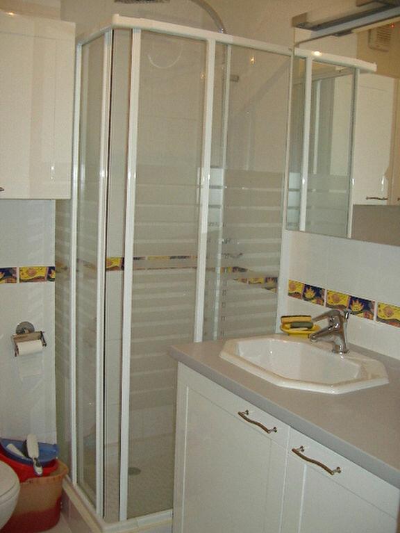 Appartement à louer 1 21.88m2 à Villeneuve-Loubet vignette-5