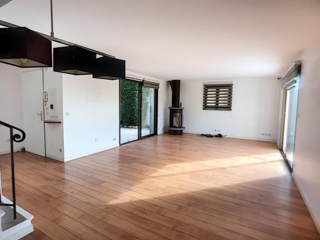 Maison à vendre 5 125m2 à Villeneuve-Loubet vignette-3