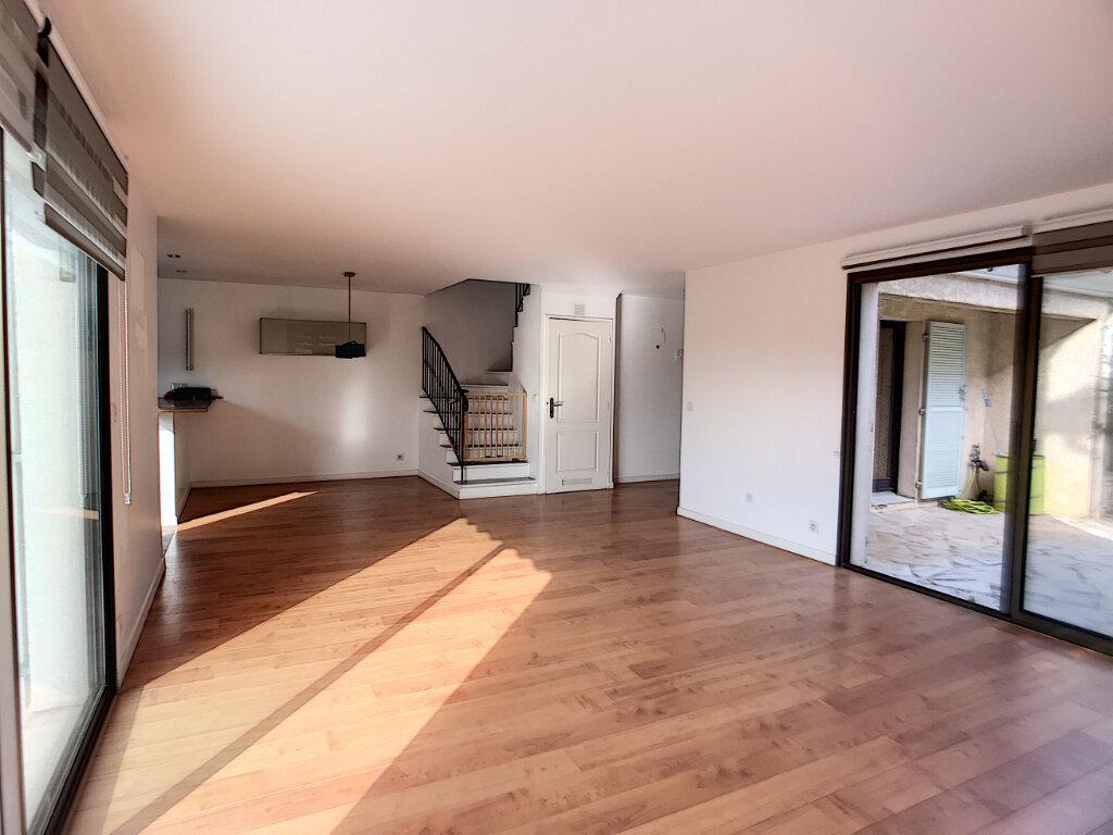 Maison à vendre 5 125m2 à Villeneuve-Loubet vignette-5