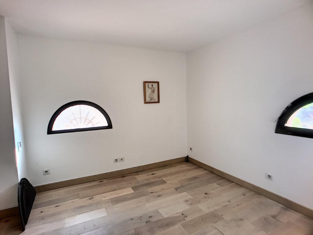 Maison à vendre 5 125m2 à Villeneuve-Loubet vignette-8