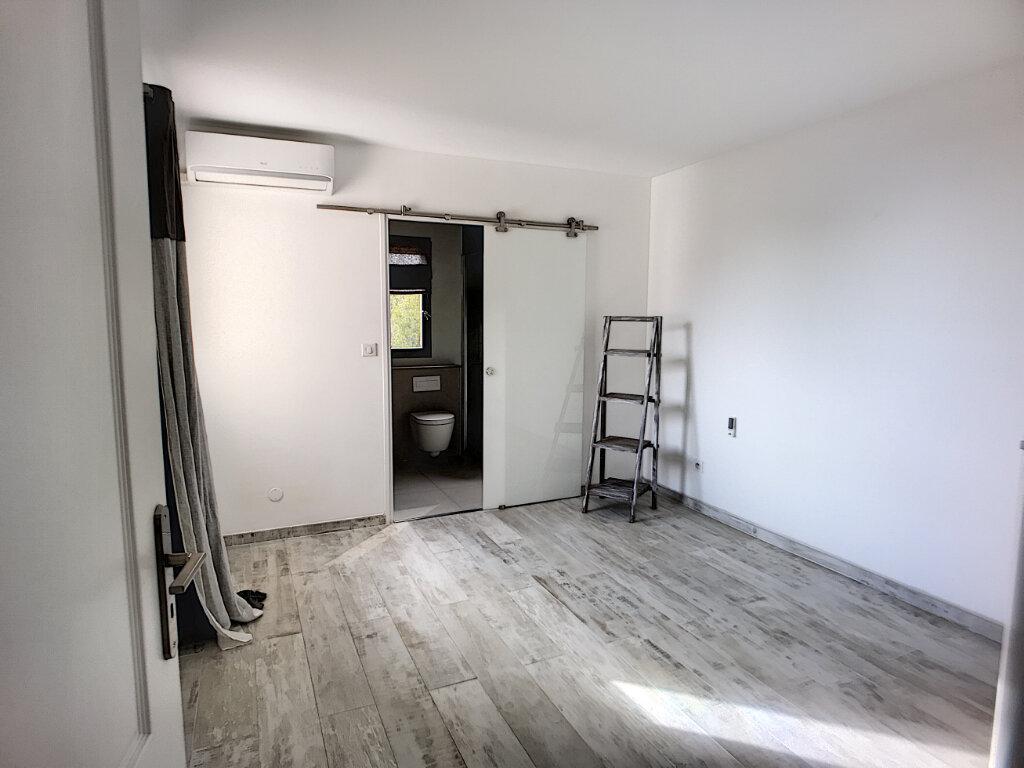 Maison à vendre 5 125m2 à Villeneuve-Loubet vignette-9